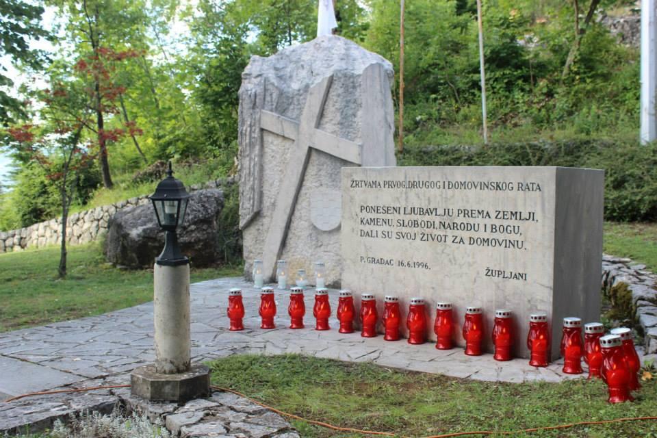 POSUŠKI GRADAC: Služena misa za sve žrtve ratova