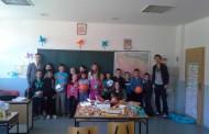 Članovi Vijeća mladih donirali lopte školi u Sutini
