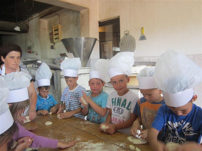 Mališani iz gradskog vrtića Bajka obilježili Dan kruha