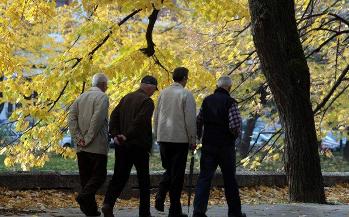 Počela isplata mirovina u FBiH, 106.000 umirovljenika dobit će veće iznose