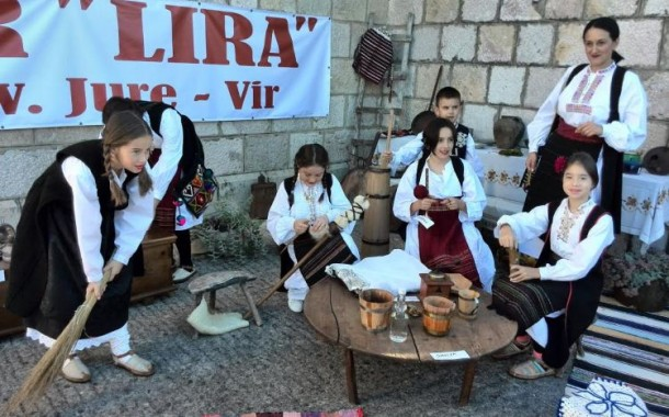 VIR: Dani kruha uz narodne običaje