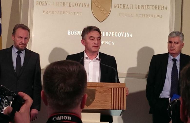 Čović, Izetbegović i Komšić potpisali sporazum