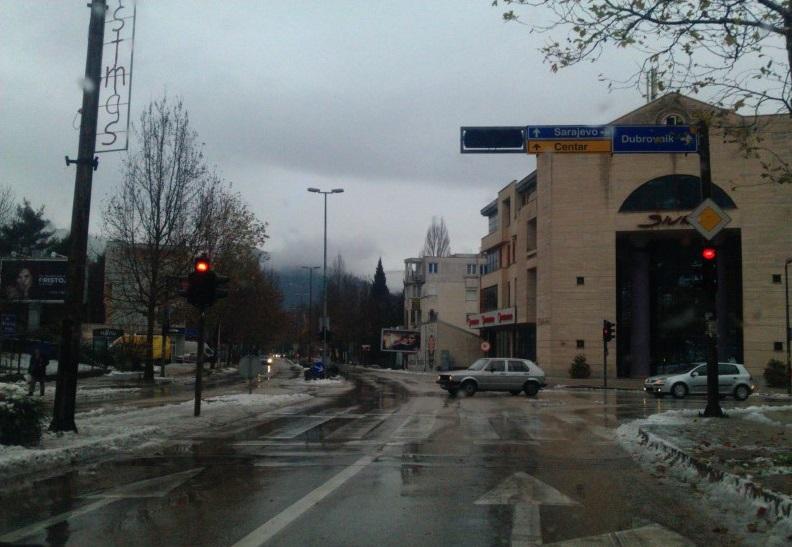 Mostar: Od danas posebna regulacija prometa na dionici od hotela Ero do Carinskog mosta