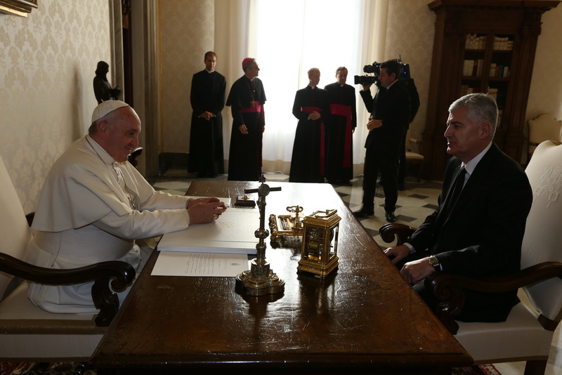 Dr. Dragan Čović u Vatikanu razgovarao sa Svetim Ocem papom Franjom