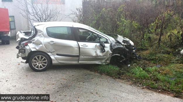 Grude: U teškoj prometnoj nesreći ozlijeđene dvije osobe