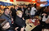 Kolinda Grabar Kitarović nova predsjednica Republike Hrvatske – Slavlje u Zagrebu i ispod zastave općine Posušje u Savskoj 66