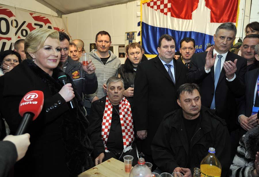 Grabar-Kitarović nastavlja posredovati o Izbornom zakonu