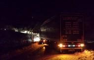 RAKITNO: Kamion blokirao promet u oba smjera