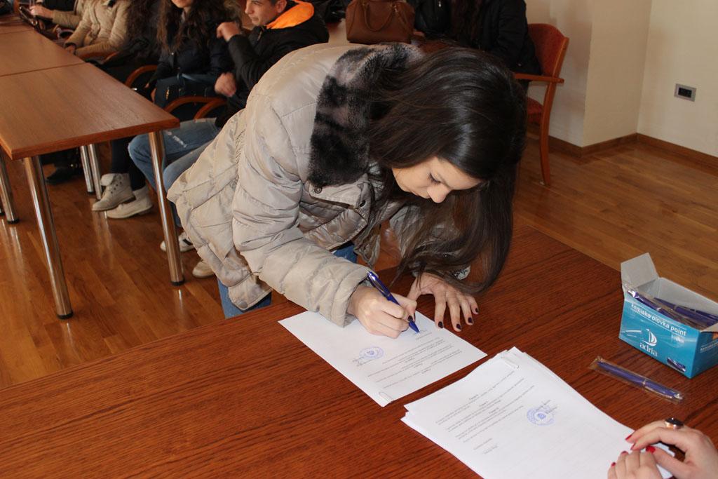 Svečano potpisivanje ugovora o dodjeli stipendija studentima s područja općine Posušje