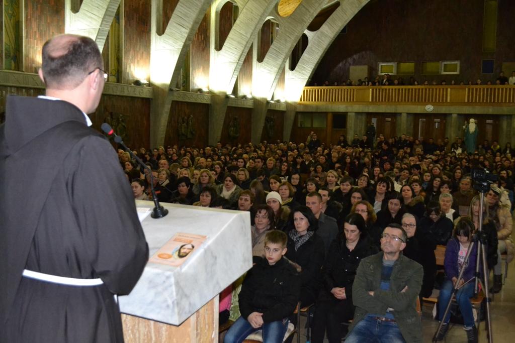 Kočerin: Pitanja vjere i morala okupile mnoštvo vjernika