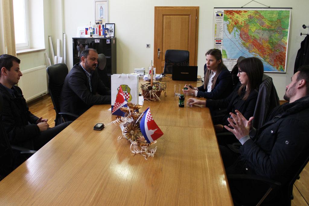Hercegovački studenti iz Zagreba posjetili Općinu Posušje