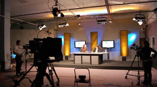"""HRVATI POKREĆU DVIJE TELEVIZIJE """"Naša TV"""" program će emitirati iz Mostara, """"TV KISS"""" seli u Sarajevo"""
