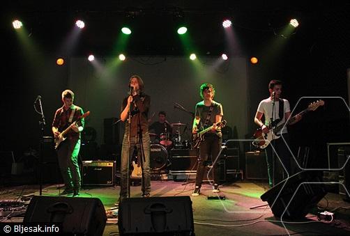 """Grupa """"Sjena"""" nastupila kao predgrupa Pađenu i njegovu """"Aerodromu"""" na koncertu u Mostaru"""