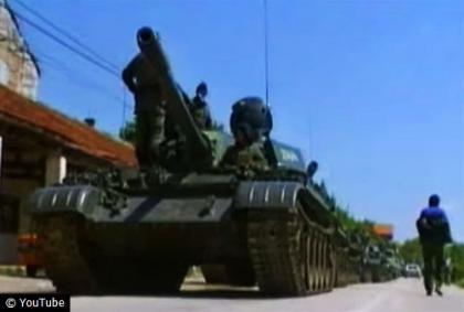 Goloruko stanovništvo zaustavilo tenkovsku kolonu u Pologu