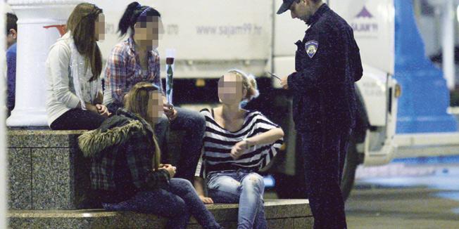 ŽZH: Do 2.100 KM kazna trgovcu koji proda duhan i alkohol maloljetniku