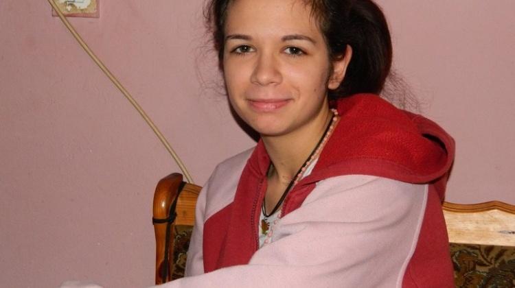 HUMANOST: Vratimo Stefani (16) mladost i pružimo joj bolju budućnost!