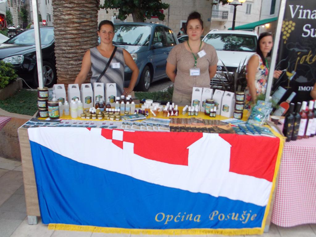 """Općina Posušje nastupila na sajmu """"Okusi Hrvatsko"""" u Baškoj Vodi"""