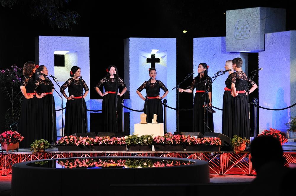 Pobjedom mješovite klape Signum završen drugi Festival klapske pisme Posušje 2015