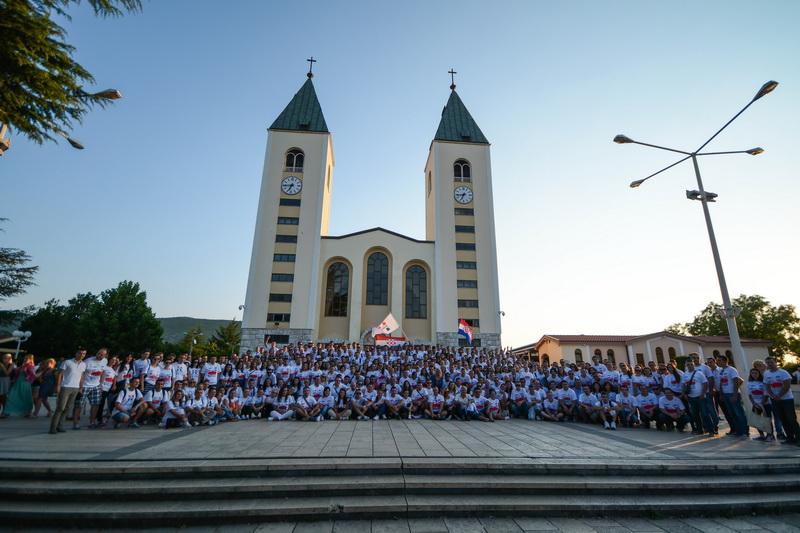Više od 800 mladih na zajedničkom hodočašću Mladeži HDZ BiH i Mladeži HDZ-a RH u Međugorju