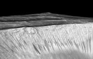 NASA: Na Marsu postoji tekuća slana voda. Moglo bi biti života
