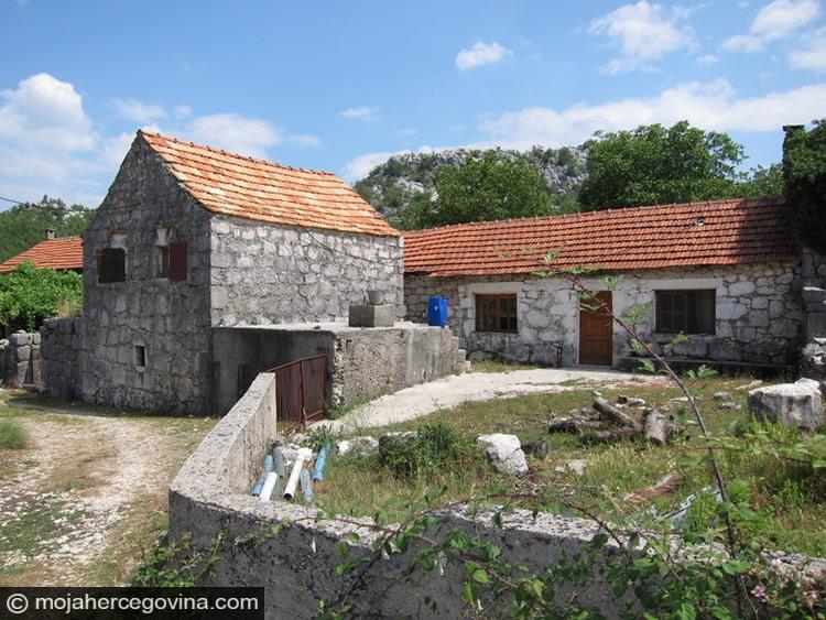 DW: Hercegovačko selo nestaje
