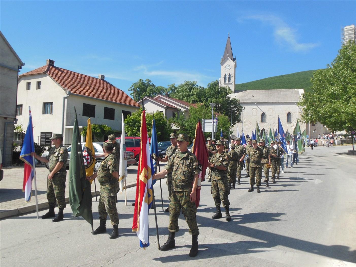 VEČERNJAK OTKRIVA: Sud poništio 1175 odluka o ukidanju prava branitelja