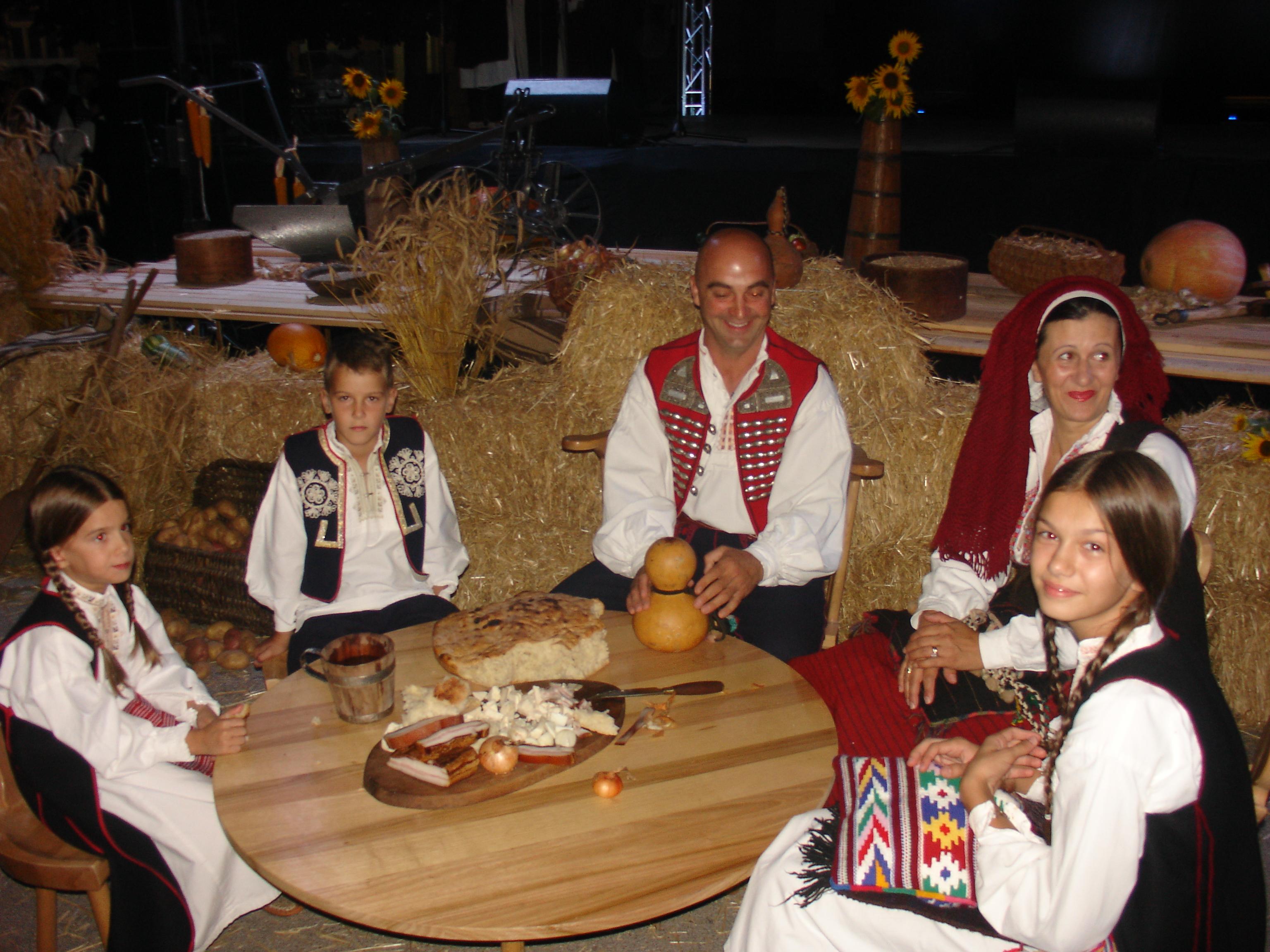 POSUŠKO LITO: 12. Smotra hrvatskog izvornog folklora