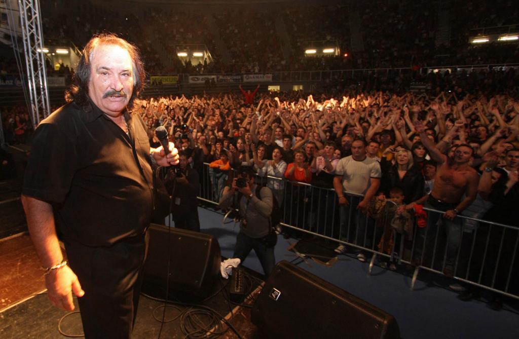 JABUKA TV. EKSKLUZIVNO DOZNAJE: Koncert Miše Kovača u Širokom Brijegu!
