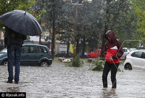 Poplave diljem BiH i Hrvatske: Poplavljeni Mostar, Čitluk i Livno, sirene upozorenja u Karlovcu