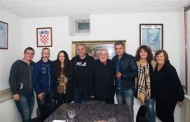 Zoran Begić Zoka sa svojom snimateljskom ekipom u župi Vir