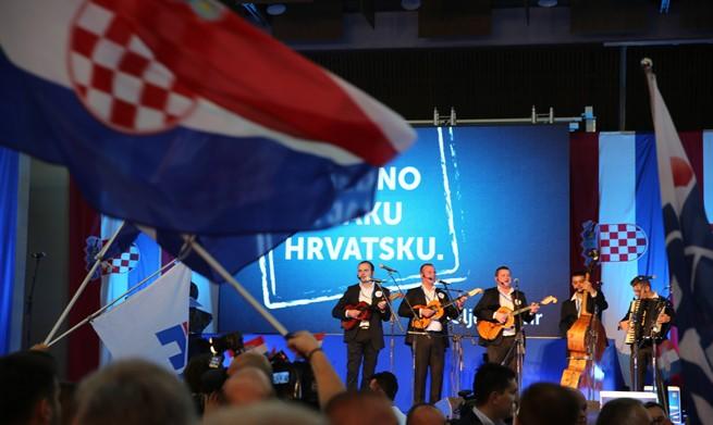 """NAKON OBJAVE: Slavlje u HDZ-u uz pjesmu """"Zovi, samo zovi""""…"""