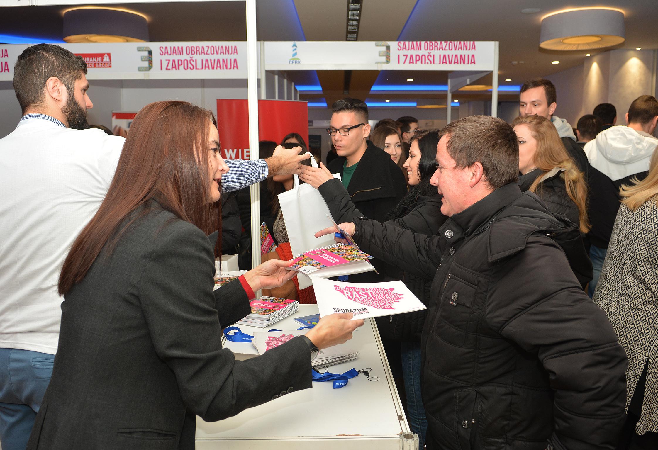 VELIKI ODZIV Sajam zapošljavanja u Mostaru: Nezaposlenima ponuđeno 1.500 radnih mjesta