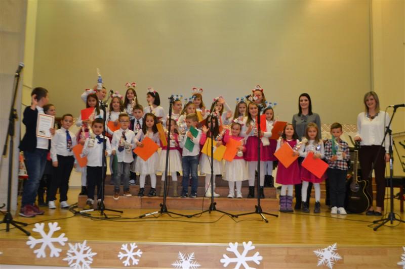 FOTO: Božićna priredba Glazbenog vrtića Posušje
