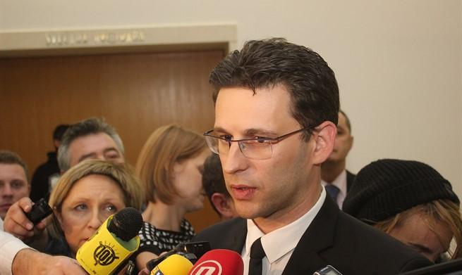 PETROV:  'Ako i HDZ i SDP odbiju naše prijedloge, ići ćemo na izbore'