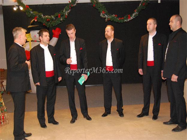 """Muška klapa """"Grga"""" i ženska klapa """"Zvizdan"""" nastupile na božićnom koncertu u Mostaru"""