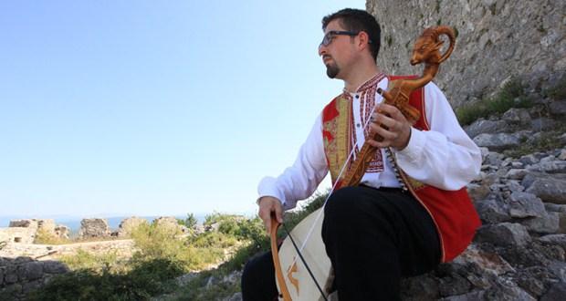 Slušam i rock i dance, ali srcu je najmilija tradicijska glazba