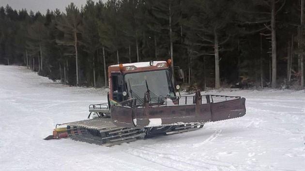 Provedite vikend u snježnom okruženju uz zabavu i skijanje na maloj stazi