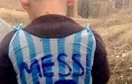 Pronađen dječak koji je nosio Messijev dres napravljen od plastične vrećice