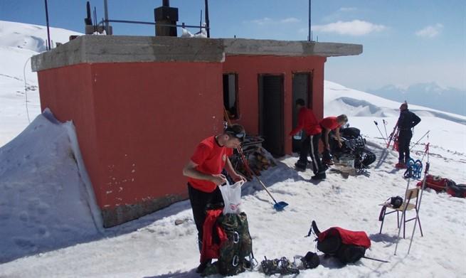 PRAVA DRAMA NA ČVRSNICI:  Smjena vojnika zapela u dubokom snijegu