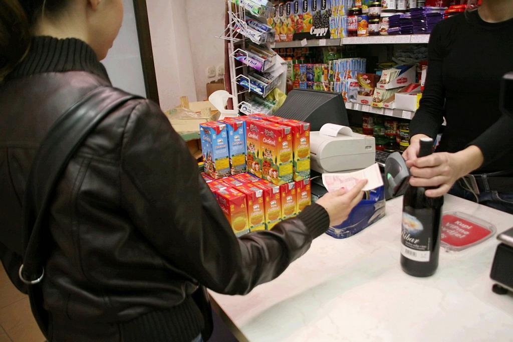 Povećavaju se kazne sa 150 na 400 KM za točenje alkoholnih pića maloljetnicima