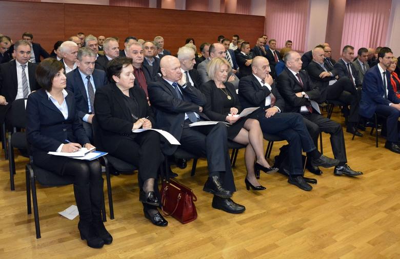Očuvati koaliciju sa SDA i SBB-om zbog provođenja reformi u BiH