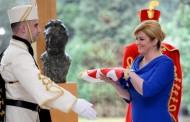 KOLINDA: Ako je itko zaslužio da njegova bista bude ovdje, onda je to bista predsjednika Tuđmana