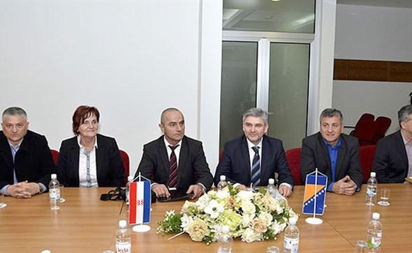 Federalni ministar branitelja Salko Bukvarević s predstavnicima branitelja u Širokom Brijegu