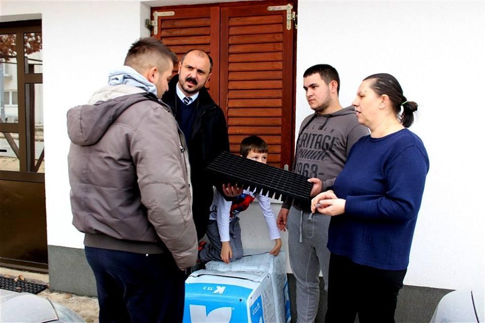 Posušje: Obitelji Begić koja ima devetero djece 10 000 sadnica smilja
