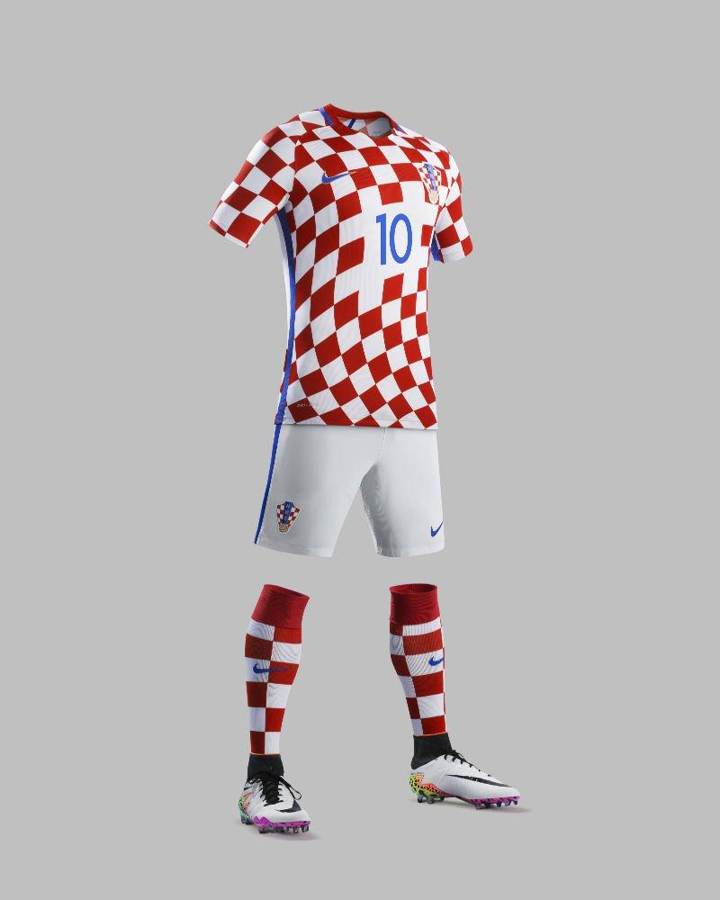 61205595-dres-hrvatske-reprezentacije-za-euro-2016