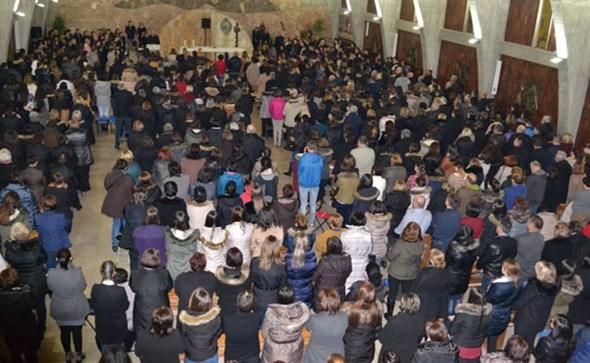 Tisuće vjernika na duhovnome seminaru u župnoj crkvi na Kočerinu