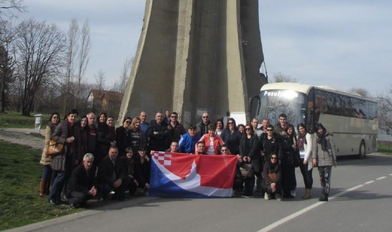 Djelatnici posuških srednjih škola u posjeti gradu Vukovaru