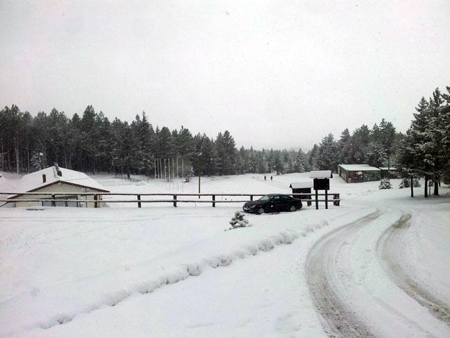 Na Blidinju tridesetak centimetara snijega a parkom vlada prava snježna vijavica