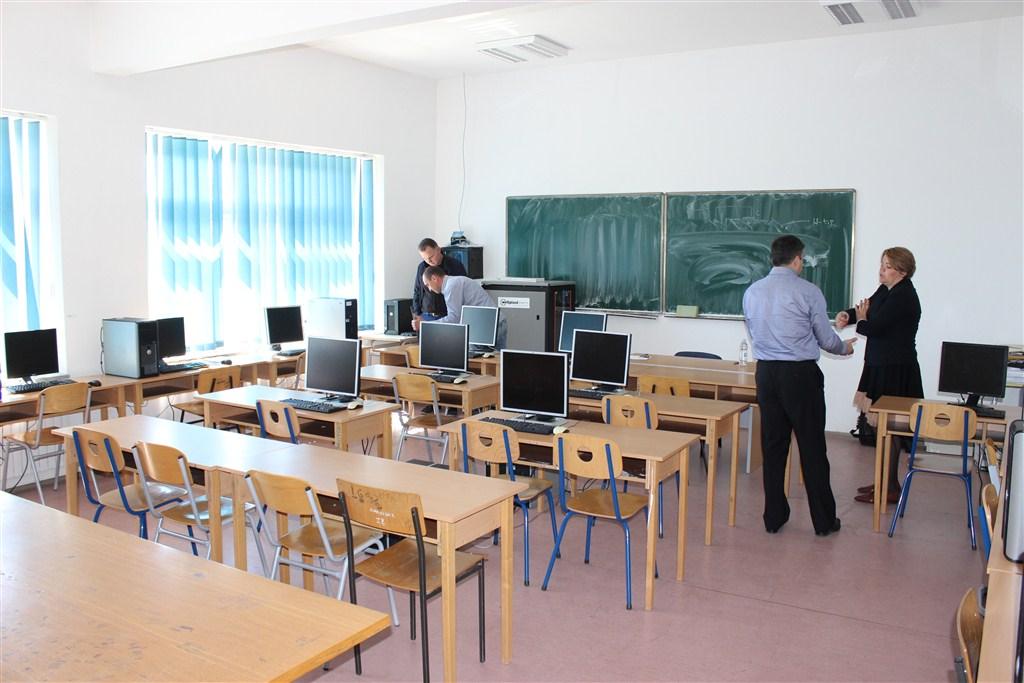 POSUŠJE: Vrijedna donacija tvrtke Weltplast d.o.o. Srednjoj strukovnoj školi