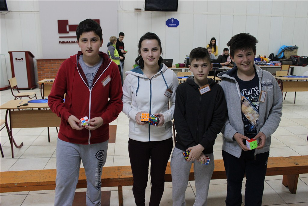 FOTO: Posušje s najviše predstavnika na međunarodnom natjecanju u slaganju Rubikove kocke u Banjoj Luci